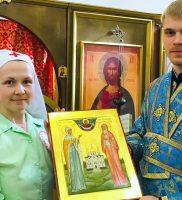 Рукописная икона в дар Сестричеству Войскового собора