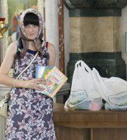 В канун Дня защиты детей  нуждающиеся семьи получили  большие продуктовые наборы и подарки  от Сестричества Войскового собора